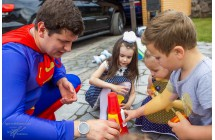 Аниматор Супермен на день рождения